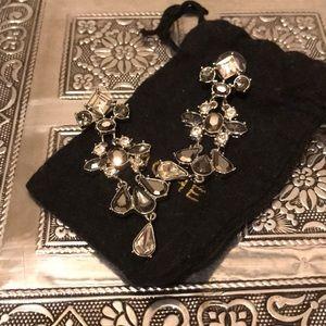 Jewelry - CACHE dangle earring